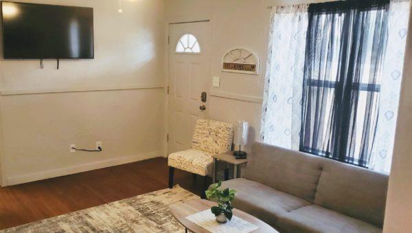 Tosan Cottage Living room